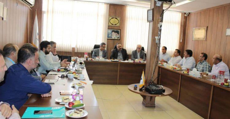 جلسه مشترک بین سازمان ملی استاندارد و تشکل های صنعتی و صنفی آسانسور و پله برقی مورخ ۹۸/۰۴/۲۳